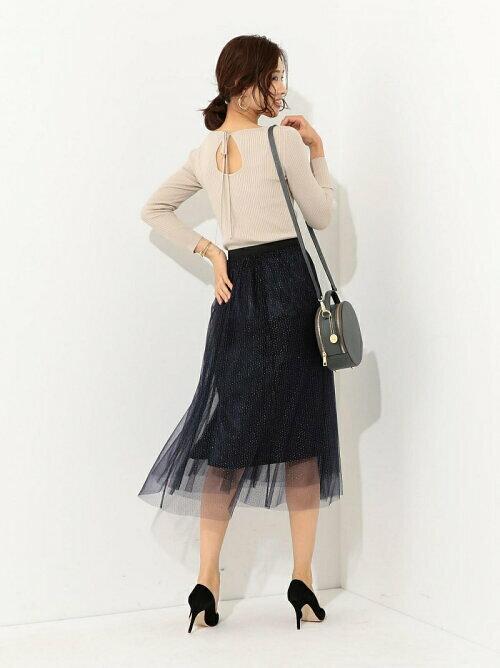 ネイビー チュールラメスカートのコーディネート画像